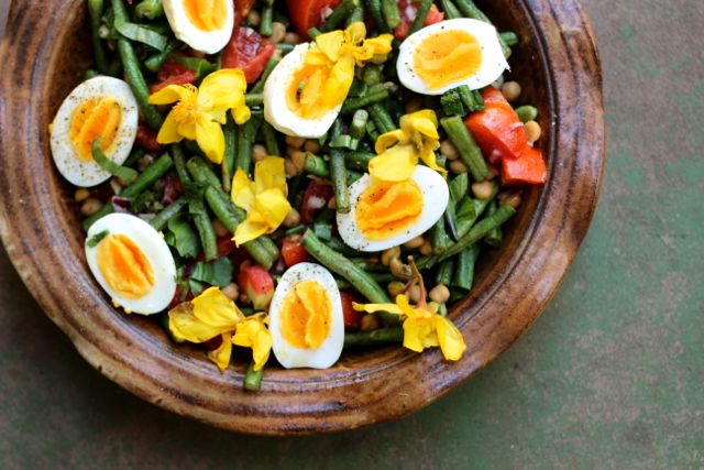 Kapok and bean salad