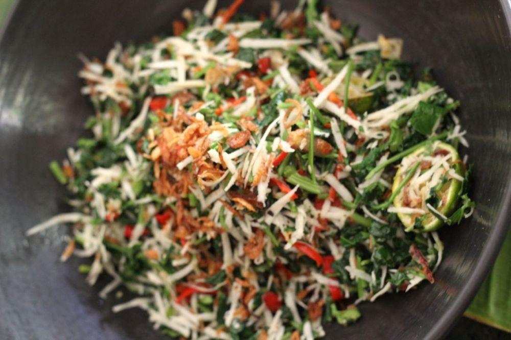Amaranth  and coco salad